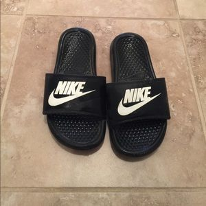 Boys Nike Slides